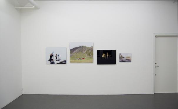 Installation view: Emma Fredriksson, Galleri Flach 2009