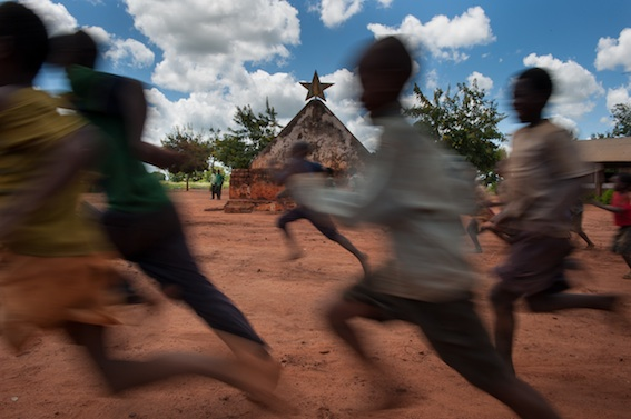 Para onde corre Mocambique? Niassa Orintal II 2012, 2014, Sergio Santimano
