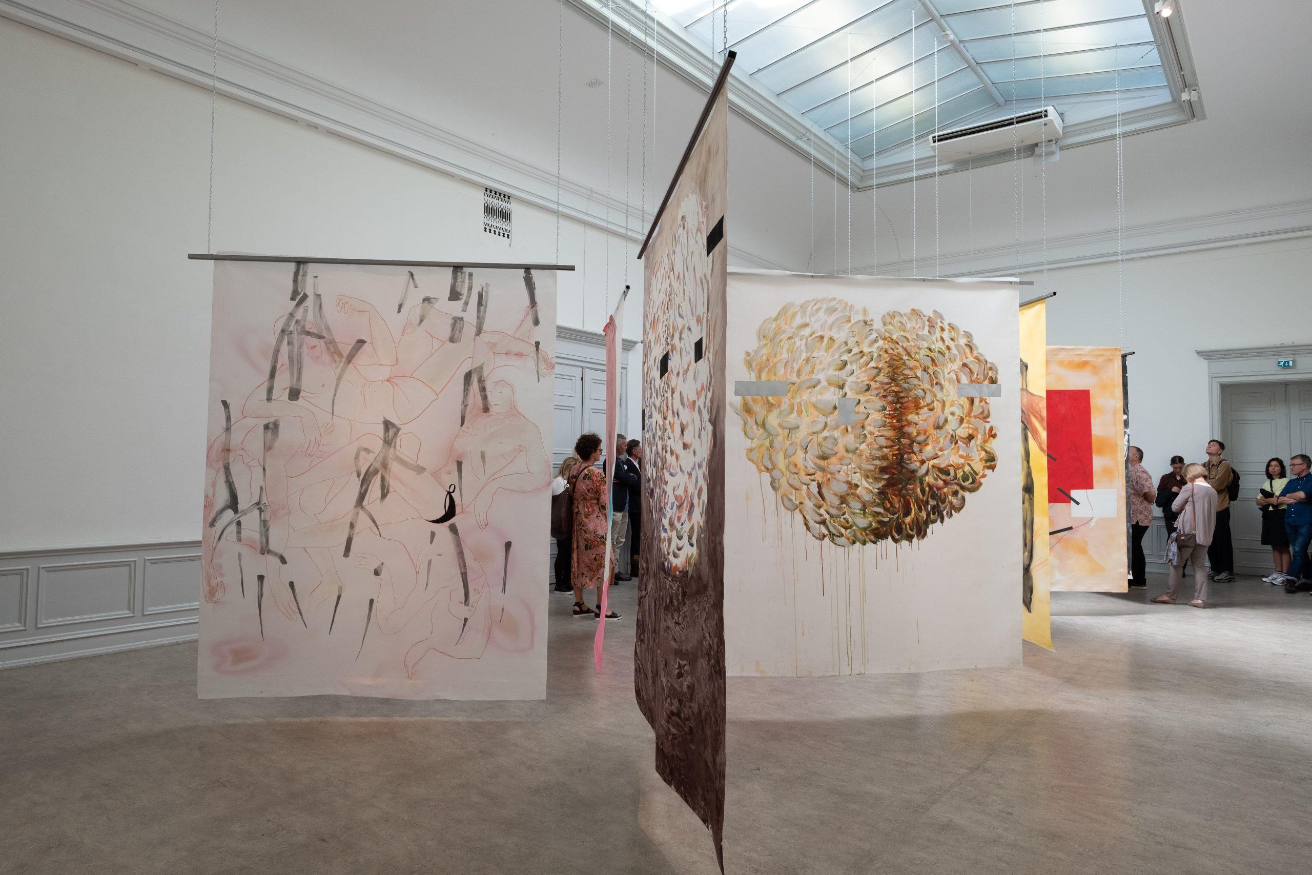 """Martin Gustavsson, Installation view:""""Un Chant Ecarlate"""", Galleri Öst, Konstakademien 2019. Photo: Vanessa Fristedt."""