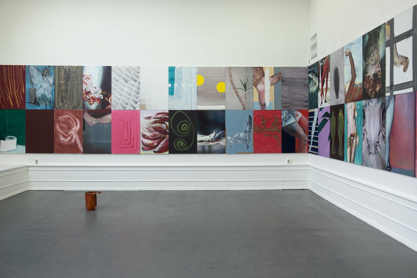 """Installation """"In No Particular Order"""", 2019, Galleri Flach,  Konstakademiens hus, Stockholm. Photo: Vanessa Fristedt"""