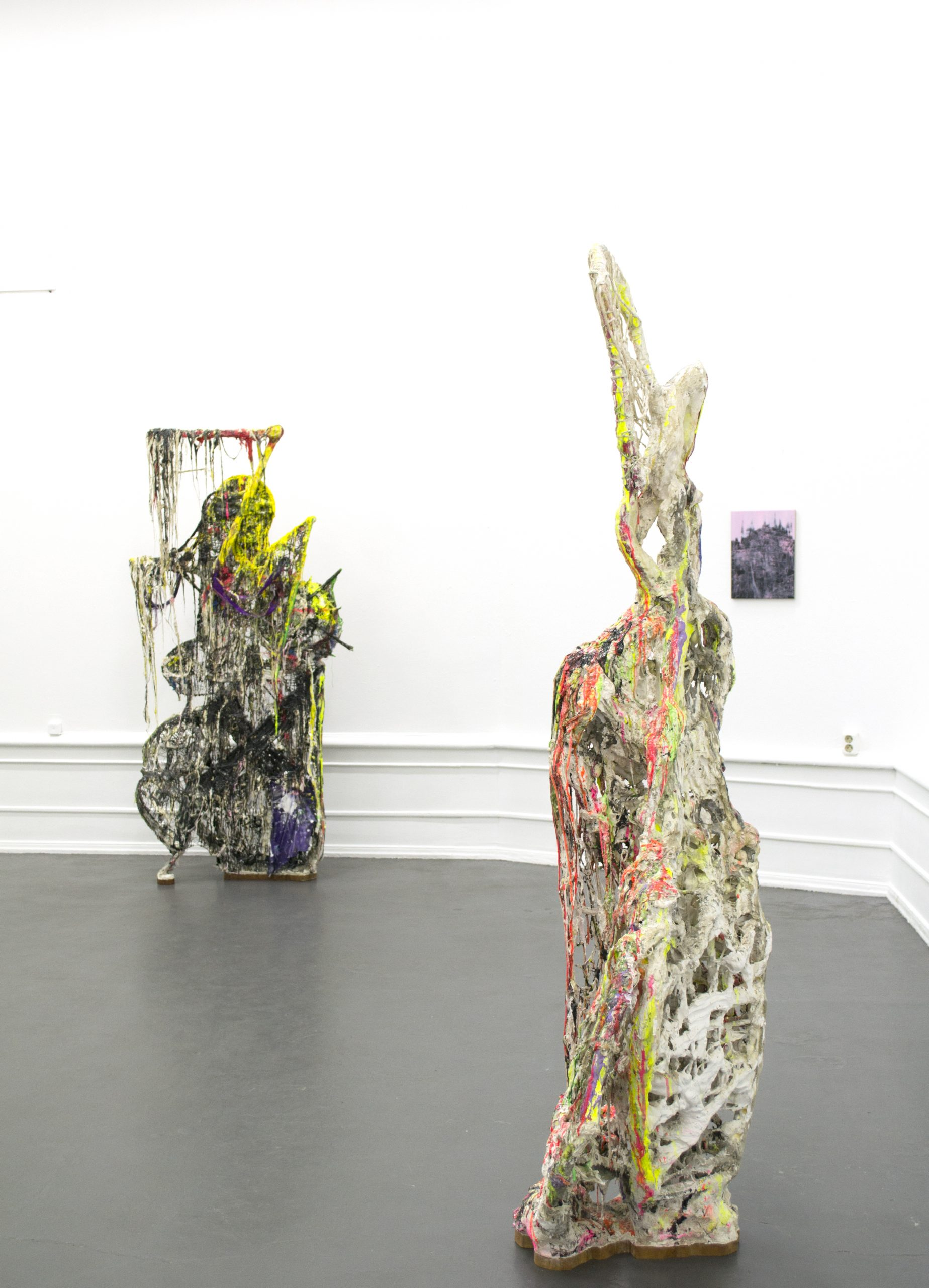 Jakob Westberg (sculpture), Lisa D Manner (paintings). Installation view: Sculpture and Painting in Dialogue, 2020