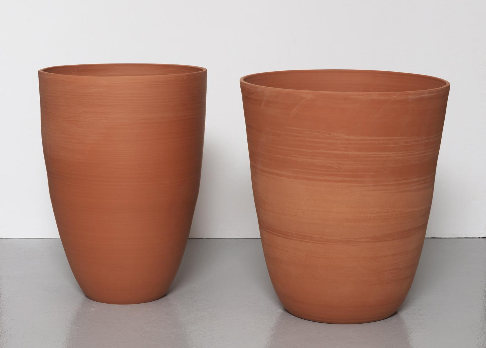 Kärl III/IV, Container III/IV, 2020 Thrown earthenware 44,5 cm x 40,5 cm/diameter