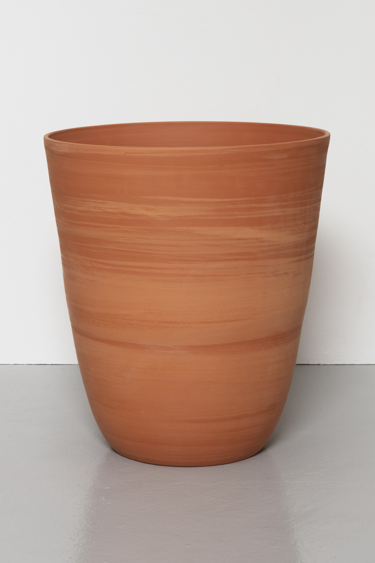 Kärl I  / Container I, 2020 Thrown earthenware 44,5 cm x 40,5 cm/diameter