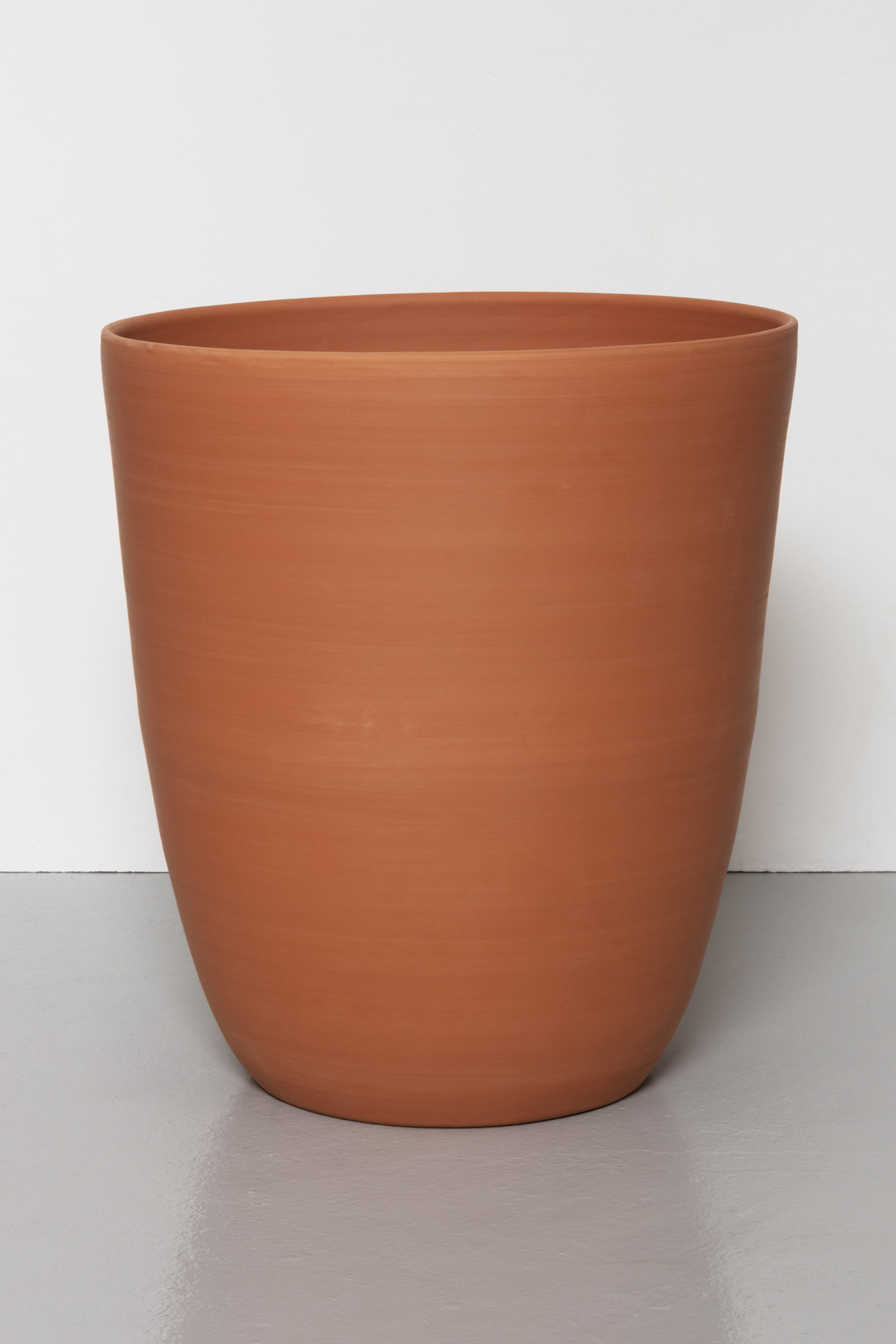 Kärl II/ Container II, 2020 Thrown earthenware 44,5 cm x 40,5 cm/diameter